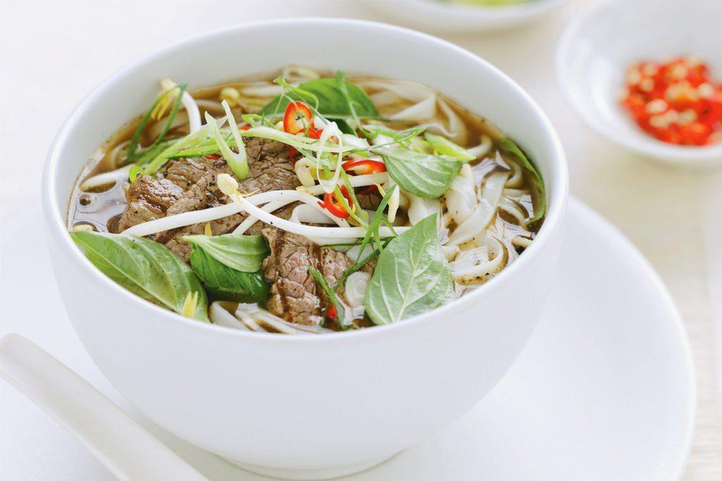 Pho (Vietnames Noodle Soup)