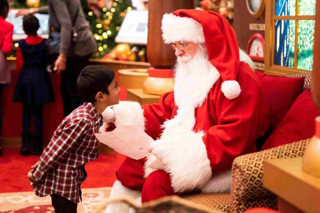 Ong Gia Noel- Santa Clause in Vietnamese